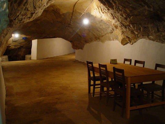 Du lịch Lào - Vieng Xai - iVIVU.com