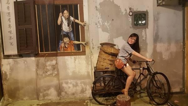 Cẩm Tú chia sẻ, cô tổng kết trải nghiệm và muốn chia sẻ kinh nghiệm với các bạn lần đầu tới Malaysia.