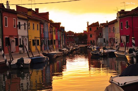 Hoàng hôn Burano, Venice - iVIVU.com